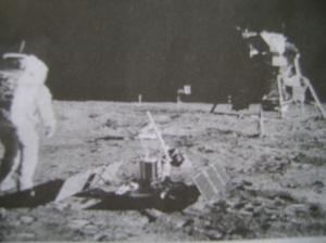 太空人40年前在月球上行走。=路透社照片。